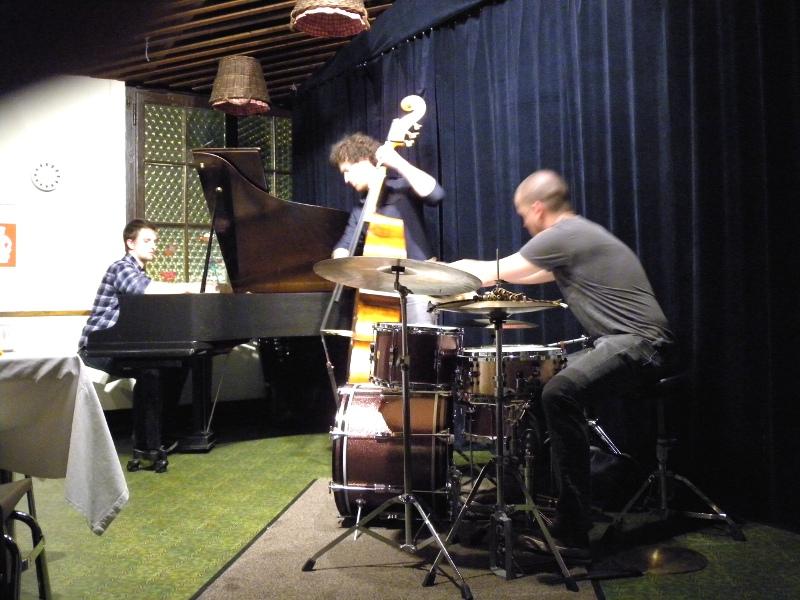 FM Trio