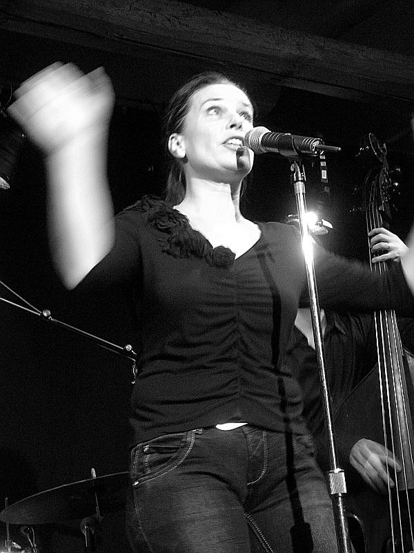 Yvonne Moore Bluesband