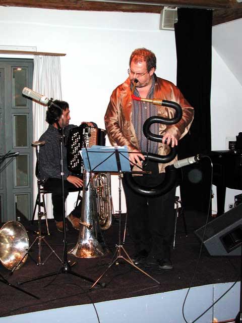 Luciano Biondini | Michel Godard  am 25.03.2004 (Obere Mühle) © Thomas Müller