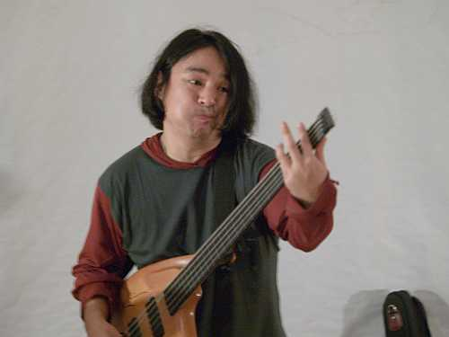 Stomu Takeishi